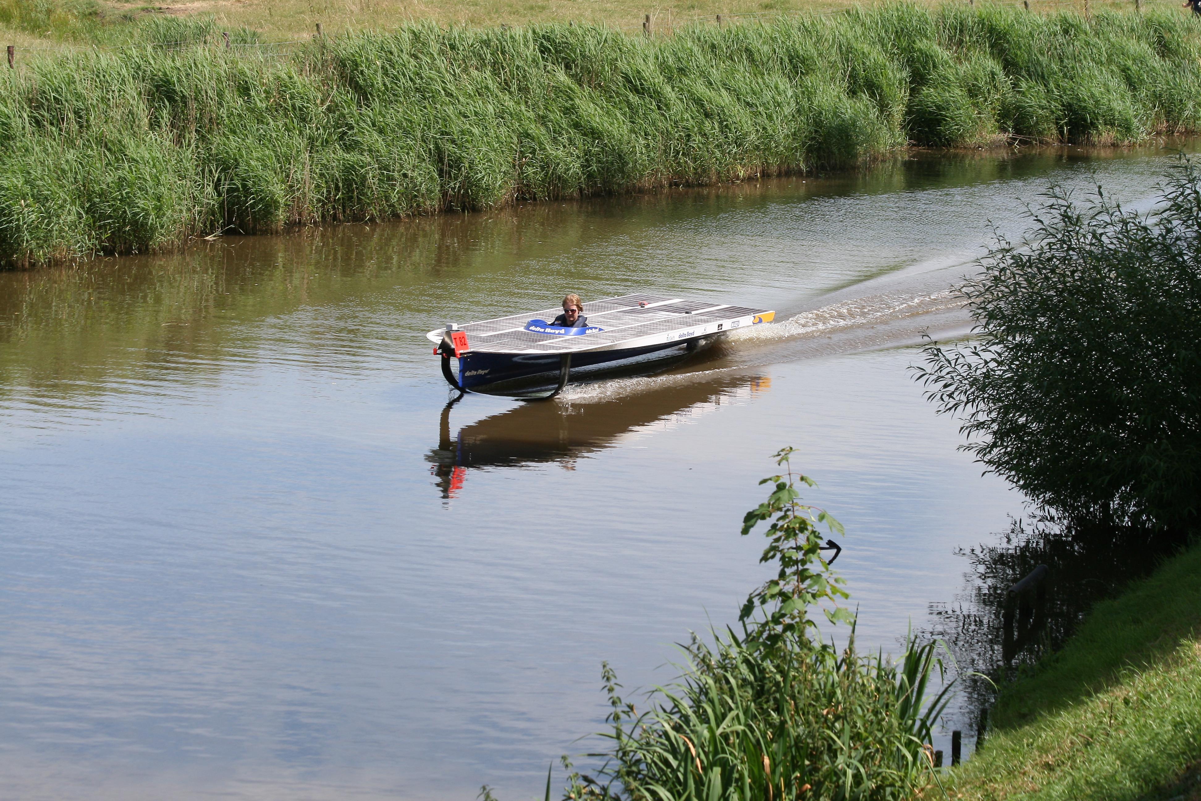 Solar boat challenger uses Kvaser interfaces for telemetry