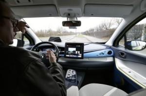 Renault Next Two inside in autonomous active mode