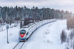 M-Max industrial computing for rail uses high-voltage can PCI104 from kvaser